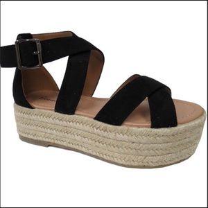 Shoes - 🔥SALE🔥Black Espadrille Wedge Sandals!